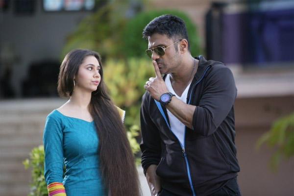 Sunil Shetty And Sasha Agha On The Sets Of Desi Kattey Movie