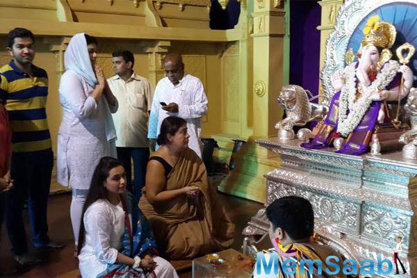 Rani Mukerji Offers Prayers At Dagdusheth Mandir In Pune During Ganeshotsav Festival