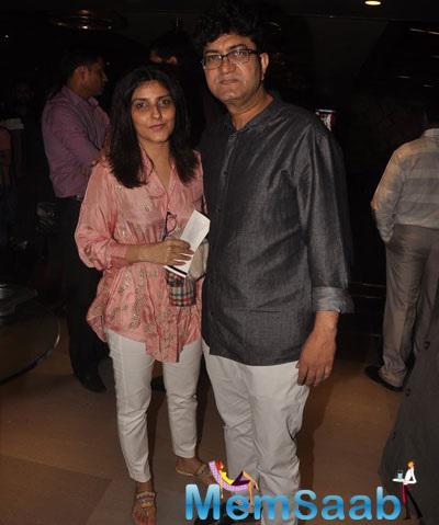 Prasoon Joshi Arrived With His Wife Aparna To Watch Mary Kom Movie