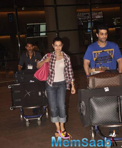 Ameesha Patel Looks Stylist In This Outfit At Mumbai International Airport