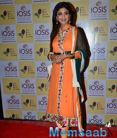Shilpa Shetty Looks Awesome In Orange And Forest-Green Suite For The Launch Of Spa