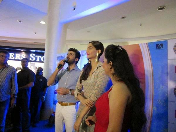 Fawad Khan And Sonam Kapoor Visit Viviana Mall For Promoting Their Upcoming Flick Khoobsurat