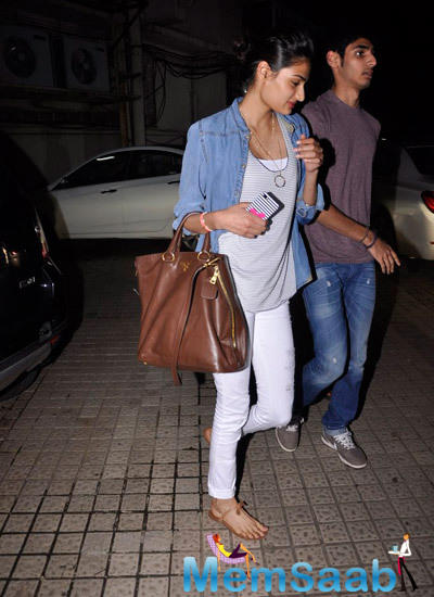 Sunil Shetty's Daughter Athiya Snapped At A Multiplex
