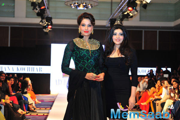 Archana Kochhar Showcased At The India Fashion Week With Stunning Bipasha