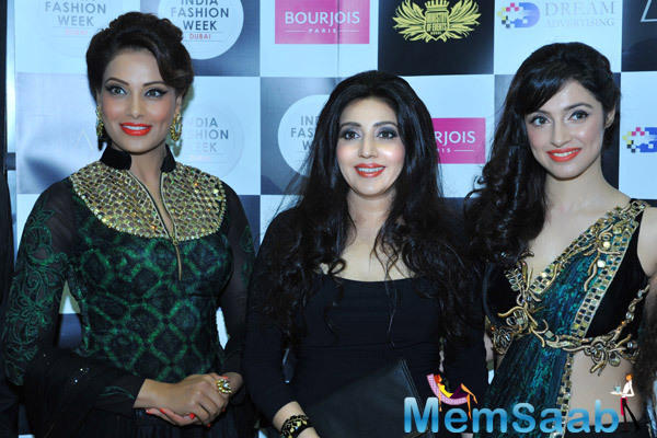 Bipasha And Divya Launch Archana Kocchar's Muaak Apparel Line At India Fashion Week