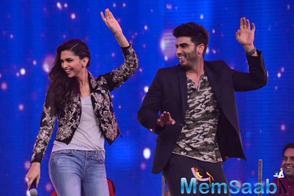 Deepika Padukone And Arjun Kapoor Shake Their Legs On The Sets Of India's Raw Star For Promoting Finding Fanny