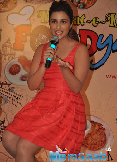 Parineeti Chopra Addressing The Media At A Press Conference During The Promotion Of Daawat-E-Ishq