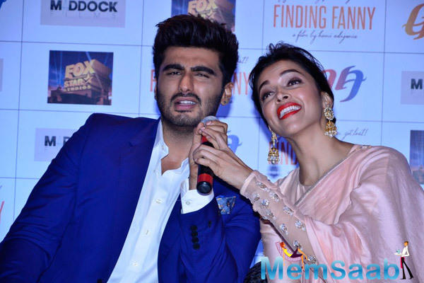Deepika And Arjun Fun During The Finding Fanny Promotional Event Associates With Goa Tourism