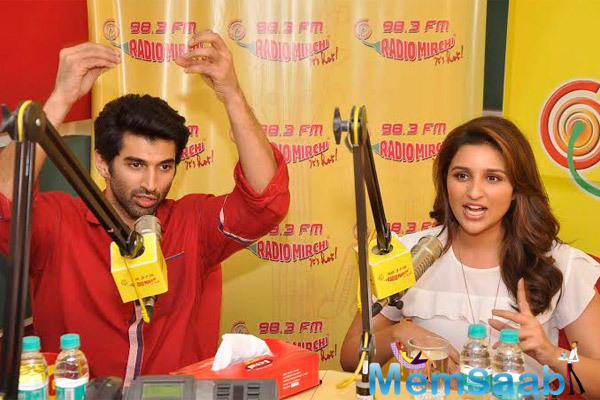 Aditya Roy Kapur And Parineeti Chopra Speak On Air At The Promotions Of Daawat-E-Ishq On 98.3 Radio Mirchi