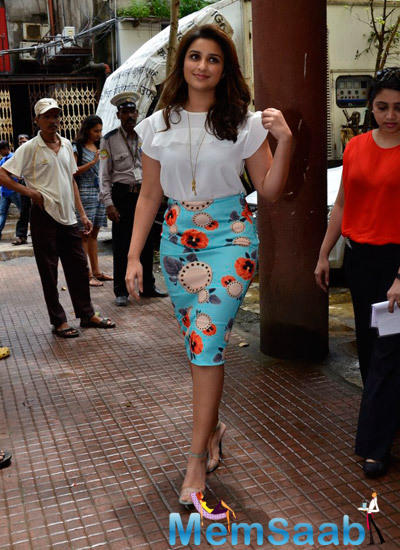 Parineeti Chopra Arrived For Promoting Her Upcoming Flick Daawat-E-Ishq