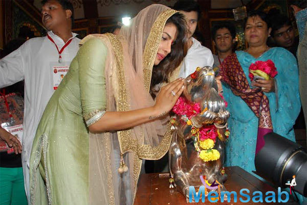 Priyanka Chopra Visiting Andheri Cha Raja In Mumbai To Offer Her Prayers To Ganpati