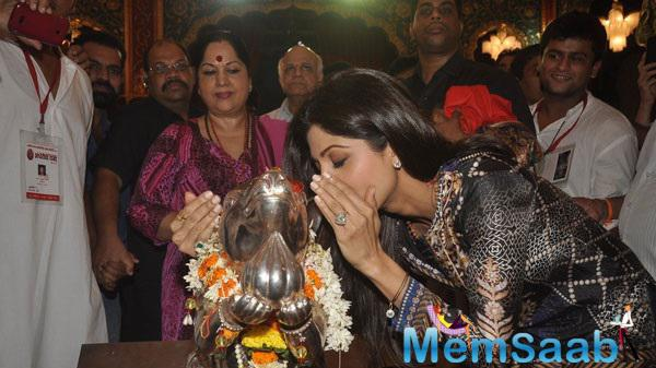 Shilpa Whispers Her Wish In Ganpati's Ear, As Her Mother Looks On