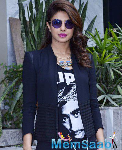 Priyanka Chopra Looked Gorgeous Snapped Outside Of The Reliance Outlet Mumbai