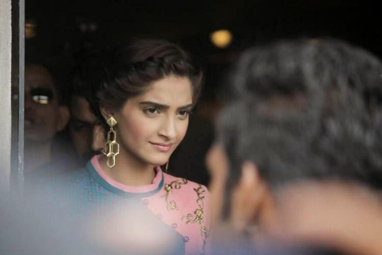 Sonam Kapoor Lovely Look At The Promotion Of Khoobsurat In Ahmedabad