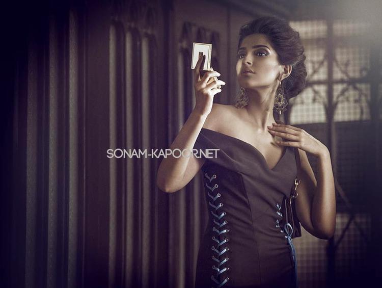 Sonam Kapoor Looking Hottie On Her Latest Cover Magazine Vogue Photoshoot