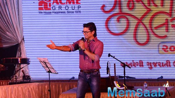 Shaan Performs In Gujarti For Gujrati Jalso Concert