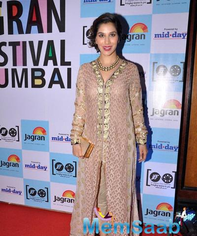 Sophie Choudry Snapped At The Mid Day Jagran Film Festival Event,