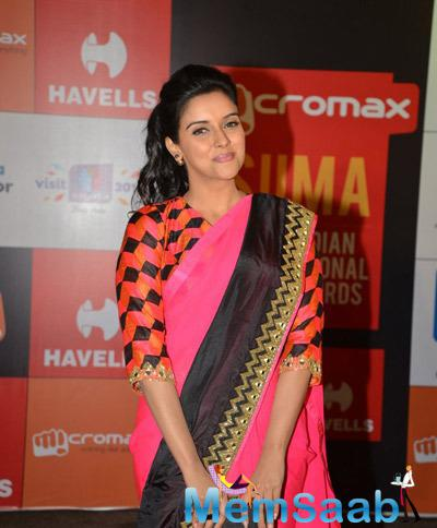 Asin Thottumkal Opted In Arpita Mehta Pink Saree On Day 2 Of Micromax SIIMA Awards 2014