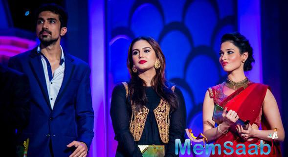 Saqib Saleem With Sister Huma Qureshi And Actress Tamannaah Bhatia Posed On The Stage At Micromax SIIMA Awards 2014 On Day 2