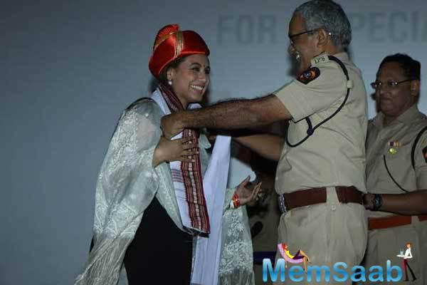 Bollywood Actress Rani Mukerji Was Felicitated By The Commissioner Of Police In Mumbai