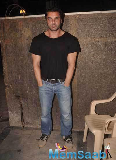 Sohail Khan Posed For Camera At Armaan Kohli Father 85th Birthday Party