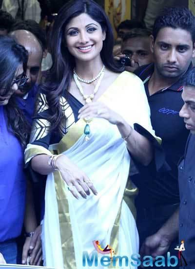 Shilpa Shetty Opted A White And Gold Masaba Cowl Detail Pre Draped Saree For This Event