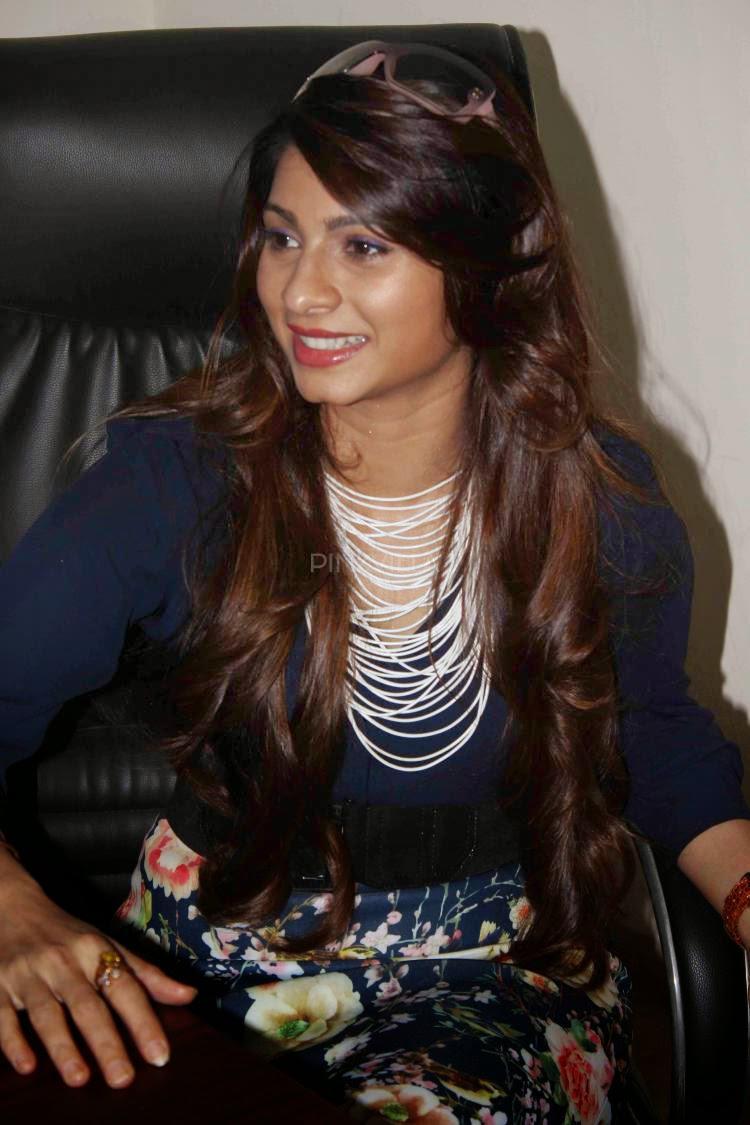 Tanishaa Mukerji Attends A College Festival Of Lala Lajpat Rai College