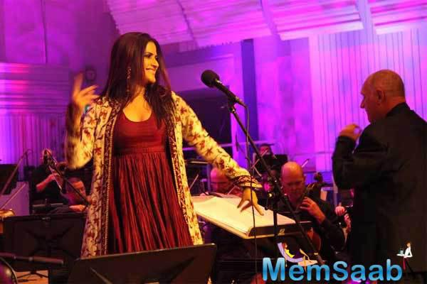 Sona Gave A Hindustani Folk Styling And Bollywood Flair Final Performance With BBC Philharmonic