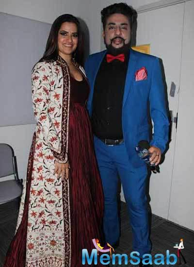 Sona Mohapatra Pose With Bobby Friction At BBC Radio