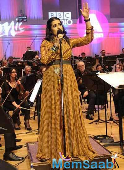 Sona Mohapatra Second Stage Look Performance With BBC Philharmonic