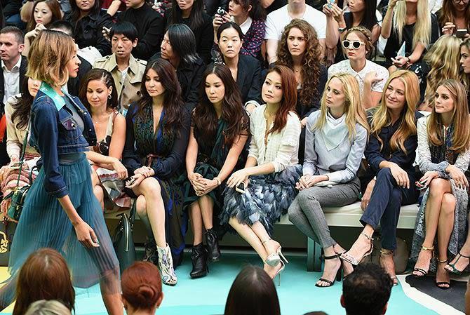 Anushka Sharma Goes SUPER GLAM At London Fashion Week