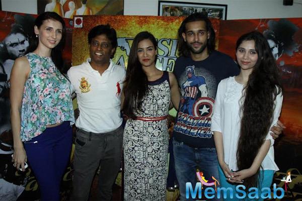 Claudia,Director Anand,Tia,Akhil And Sasha Posed At The Press Meet Of Desi Kattey Movie
