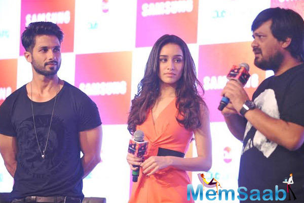 Wajid Ali Interact With Media,Shahid Kapoor And Shraddha Kapoor Look On During The Launch Of Club Samsung