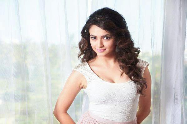 Kriti Kharbanda Hot Beautiful Look From Kannada Movie Super Ranga
