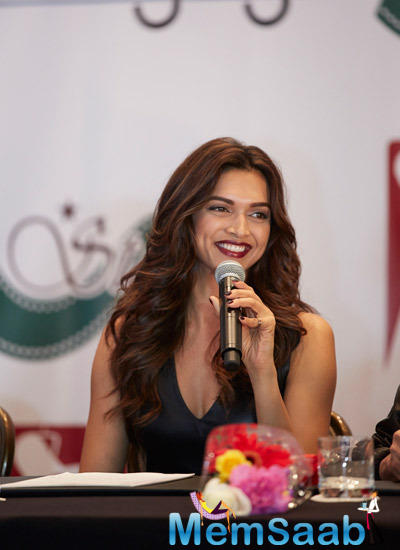Deepika Gossips With Media And Fans During The Slam! The Tour-Houston Press Conference