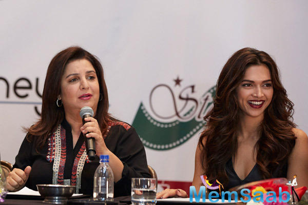 Farah Interacts With Media And Deepika Smiling At Slam! The Tour Press Conference