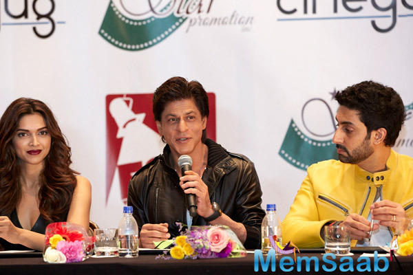 SRK Mentioned That He Was Ready To Shake A Leg With US Fans