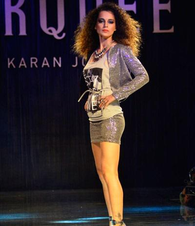 Kangana Walks As The Showstopper For VMMC Designed By Karan Johar