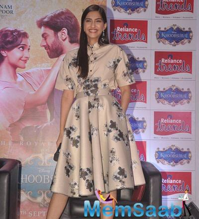 Sonam Kapoor Happy Mood During Khoobsurat Promotion At Reliance Trends