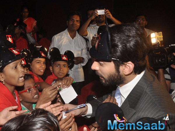 Fawad Khan Signed Autograph For Kids During The Screening Of Khoobsurat