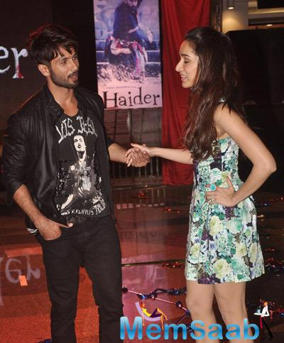 Shahid Kapoor Interact With Shraddha Kapoor During The Song Launch Of Haider
