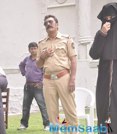 Mukesh Tiwari As A Cop On The Sets Of Mumbai Can Dance Saala