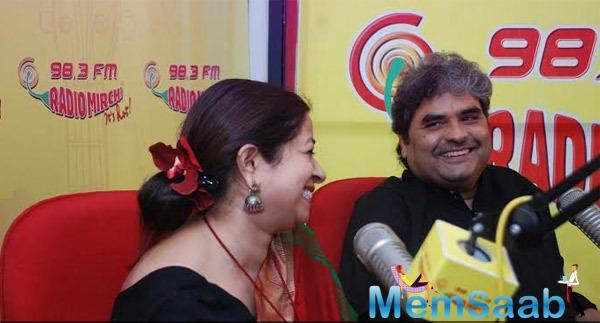 Rekha Bhardwaj And Vishal Bhardwaj Cool Smiling Look At Radio Mirchi Studio