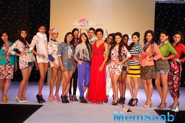 Mugdha Godse Posed With Contestants On Ramp At Femina Style Diva 2014