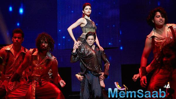 Shahrukh And Deepika's Chemistry In The Romantic Number Satrangi Re Song