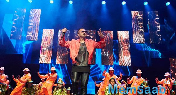 Yoyo Honey Singh Set The Stage On Fire With Their Enthralling Performances In Front Of The Live Audiences