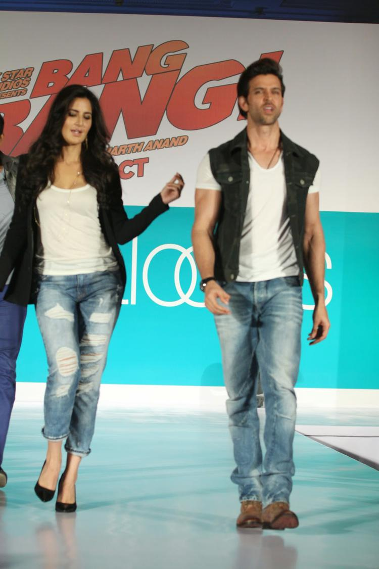 Hrithik And Katrina Looking True Hot Couple At Bang Bang Pantaloons Collections Launch