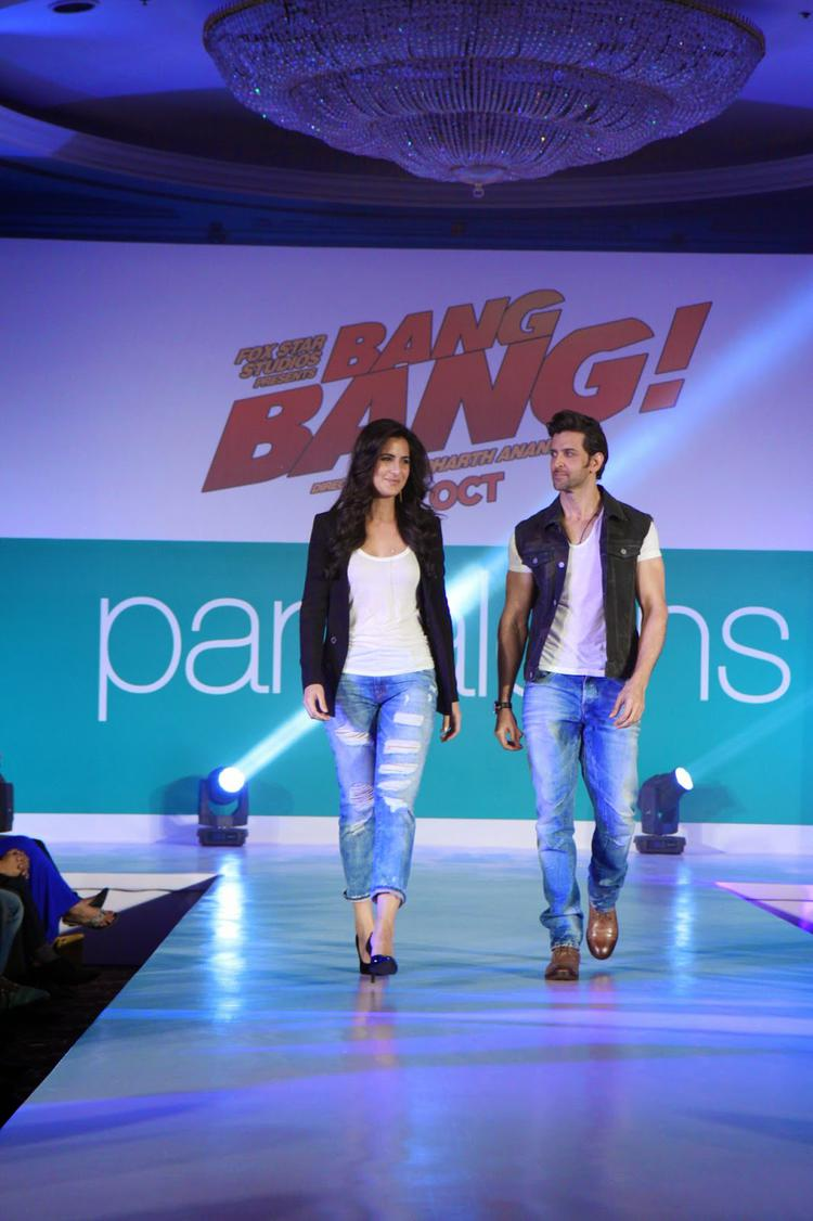 Hrithik And Katrina Walked The Ramp The Bang Bang Inspired Collection At Pantaloons Fashion Show