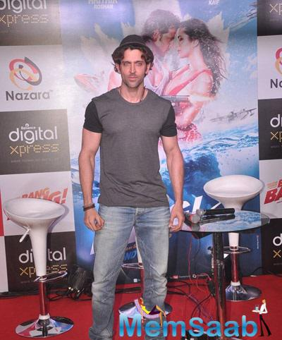 Bollywood Hunk Hrithik Seen Launching New Mobile Game At Reliance Digital