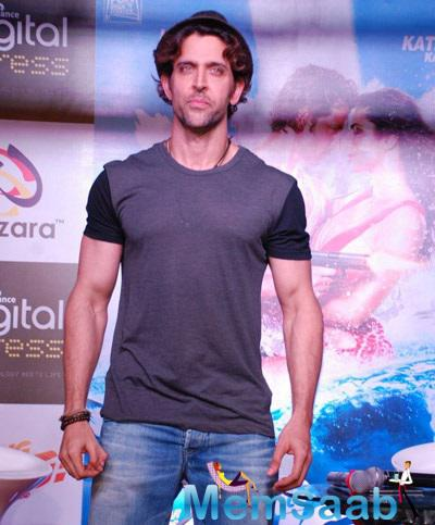 Hrithik Strikes A Pose For Shutterbugs Of Bang Bang New Mobile Game